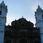 La Catedral en la Plaza Constitución