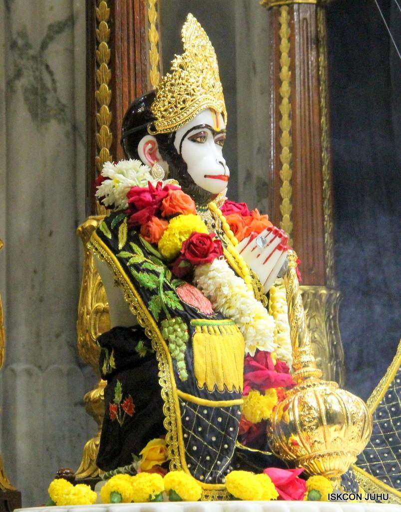 ISKCON Juhu Sringar Deity Darshan on 31st Dec 2016 (30)