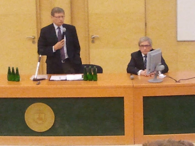 Spotkanie z prof. Leszkiem Balcerowiczem - 2012-06-15%2B09.49.32.jpg