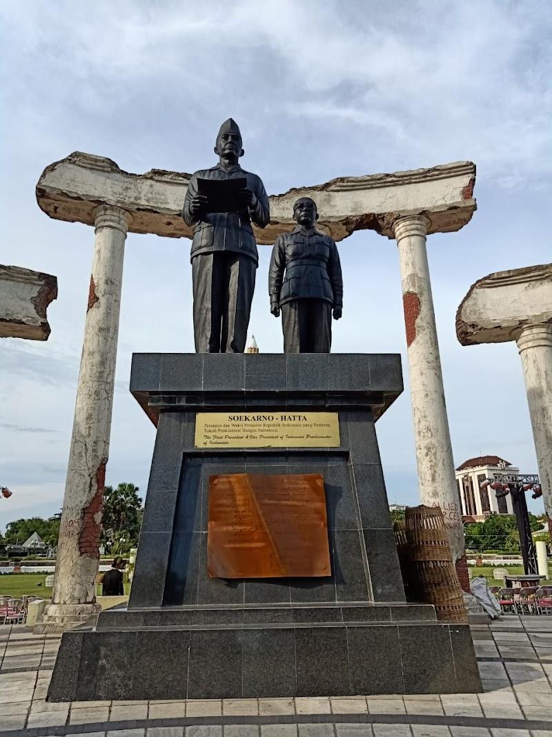 Dalam Buah Keislaman dan Kemerdekaan, Terdapat Kontribusi Khilafah Bagi Nusantara