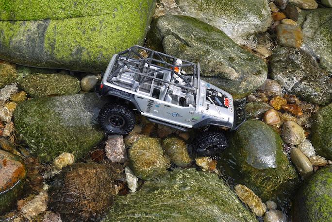 jeep - Axial Jeep Borneo escapade P1020611