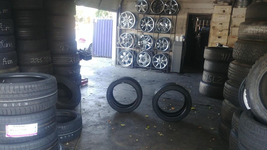 Tire Shop Open Late >> A C Tires Tire Shop In Ontario
