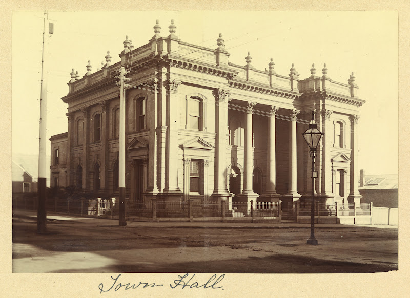 external image Photograph___Town_Hall__Launceston%252520%2525281%252529.jpg