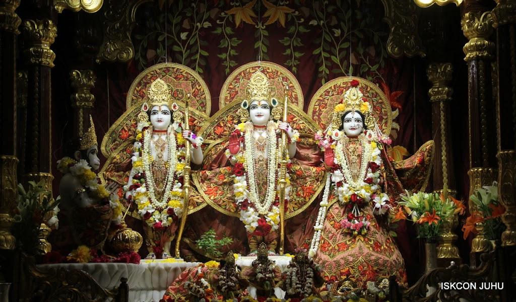 ISKCON Juhu Sringar Deity Darshan on 30th May 2016 (19)
