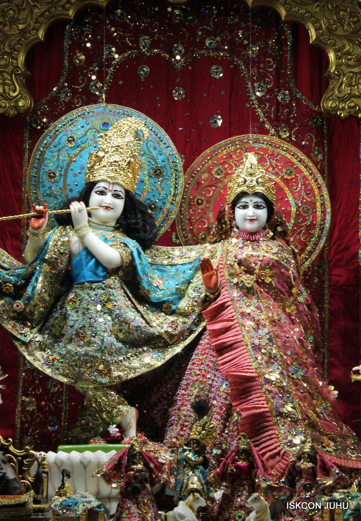 ISKCON Juhu Mangal Deity Darshan on 25th Oct 2016 (17)