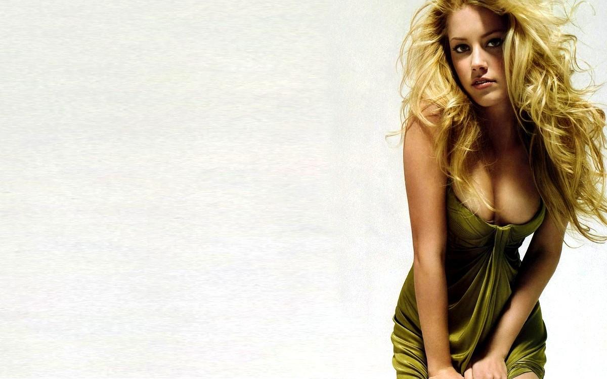 Amber Heard Wallpaper 3