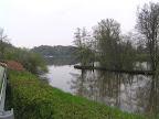 Περίπατος δίπλα στο ποτάμι