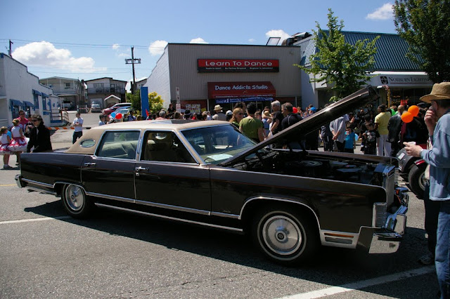 A 1978 Lincoln Town Car. Ain't it a beauty?