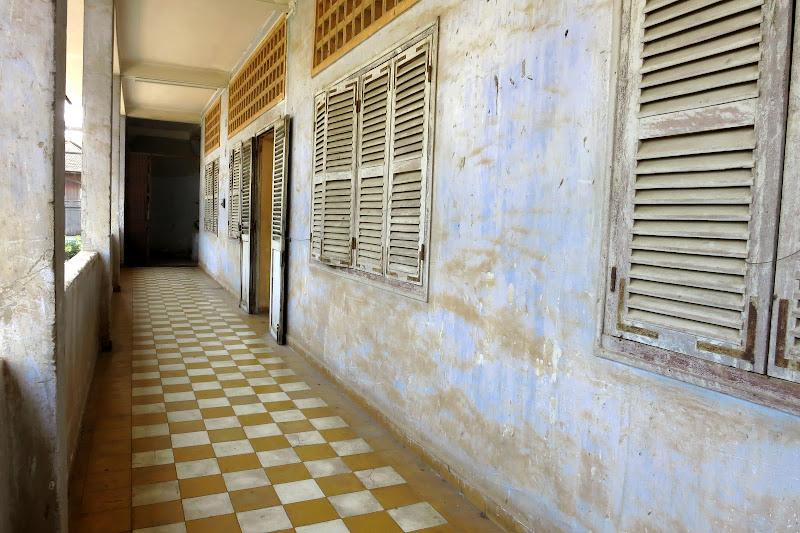 Tuol Sleng corridor