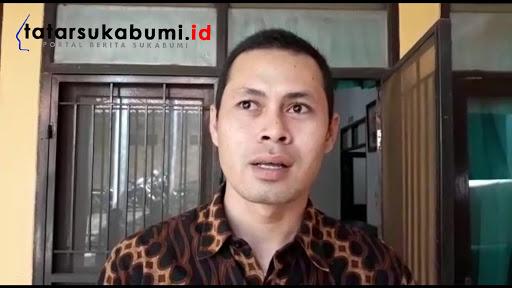 Wahid Kepala Desa Sundawenang saat ditemui di RSUD Sekarwangi Cibadak // Foto : Isep Panji