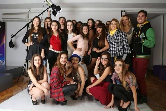 eac83a42f6 Modelo profesional - modelaje profesional , estas son algunas de las  prácticas que realizan nuestros alumnos en Eamoda - Escuela Argentina de  Moda