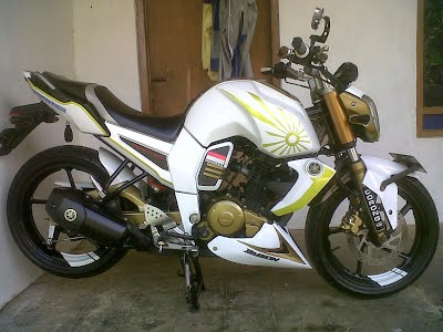 Motor Byson Modifikasi Touring