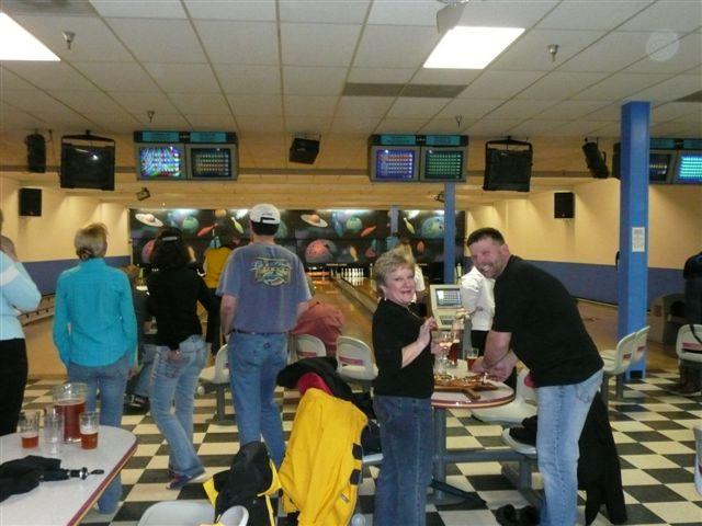 2008 Bowling & Bonfire - P1000018.JPG