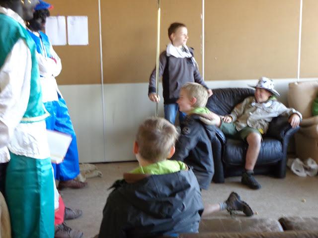Sinterklaas op de scouts - 1 december 2013 - DSC00230.JPG