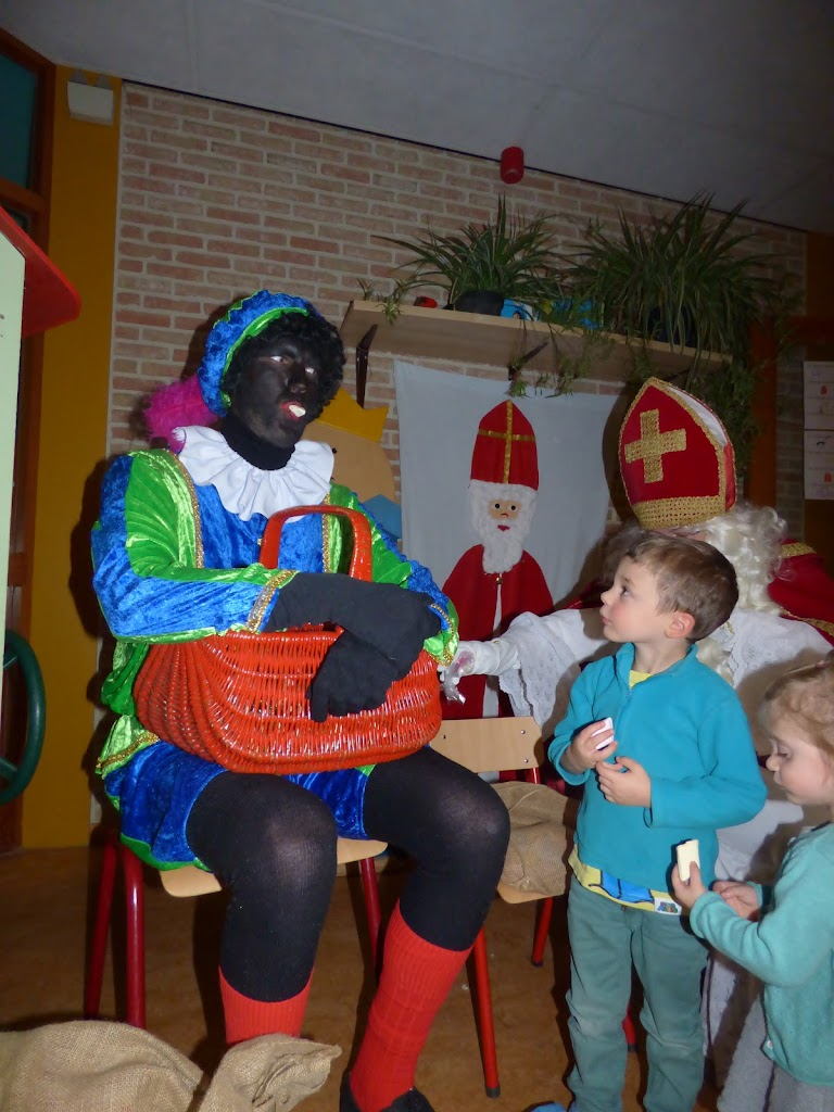 Sinterklaas op bezoek - P1060512.JPG
