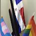 Funcionaria exhibe bandera LGBT en su despacho de Palacio y brotan las reacciones