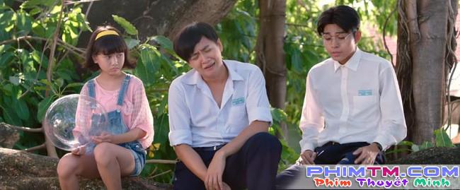 Ngô Kiến Huy thất tình ngồi khóc và hát nghêu ngao trong trailer Cô Gái Đến Từ Hôm Qua - Ảnh 6.
