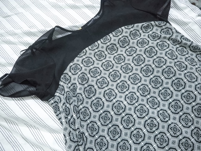 #neverbeenworn-oxfam-collect+-charity-competition-win-fashion-primark-monochrome-tile-print-swing-dress