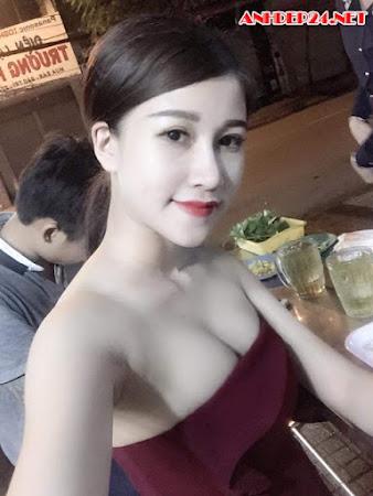 Hot girl Ái Phụng fan MU
