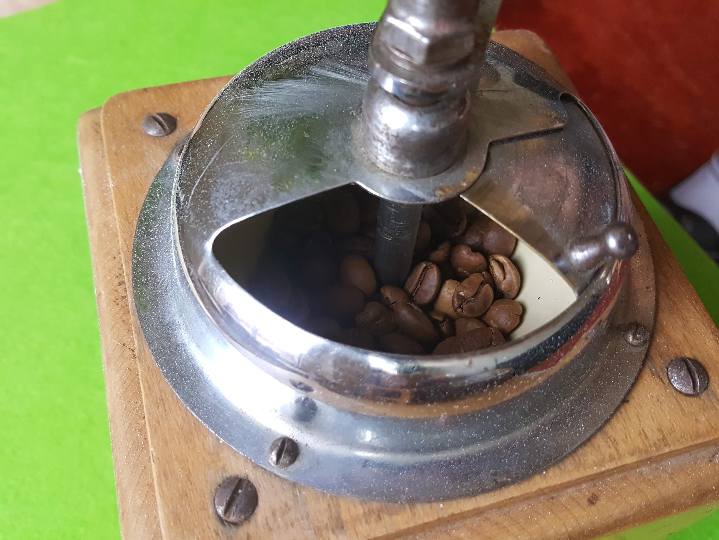 PeDe Kaffeemühle - Einfüllöffnung
