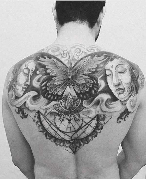 este_impressionante_de_volta_tatuagem_de_borboleta