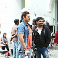 Babu Bangaram Working Stills