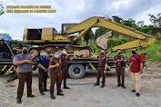 Kacabjari Pancur Batu Turun Langsung Sita BB Excavator Terdakwa Arih Ersada Ginting