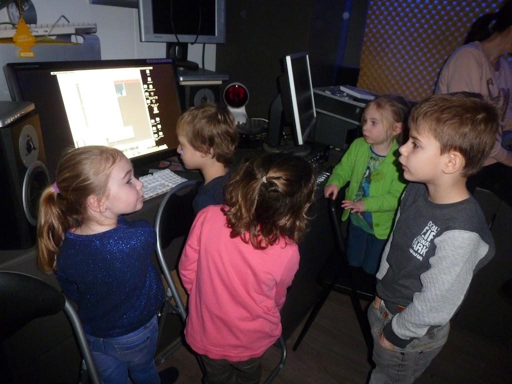 Leefgroep 1 op bezoek in een muziekkamer - P1080922.JPG