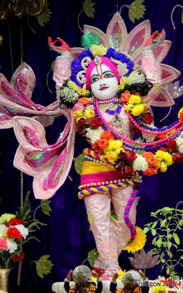 ISKCON Juhu Sringar Deity Darshan 5 Jan 2017 (34)