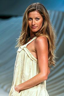 Villamor high school the boys girls from brazil beat top brazilian model gisele bundchen at the fashion rio verao in 2007 voltagebd Choice Image