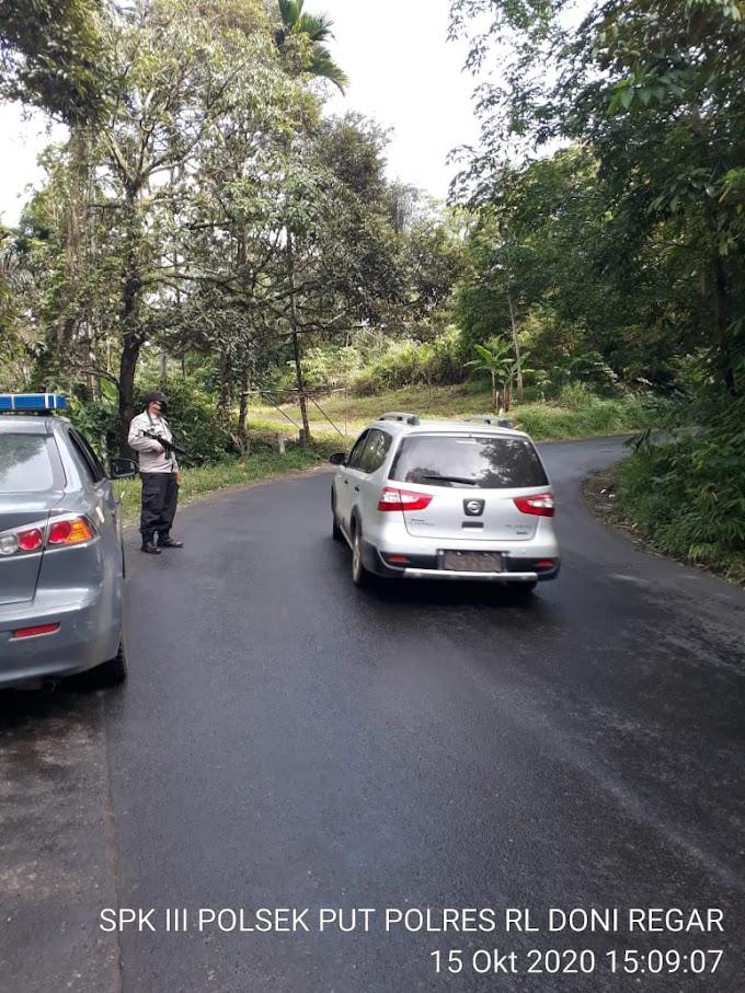 Patroli rutin personil Polsek Padang Ulak Tanding.