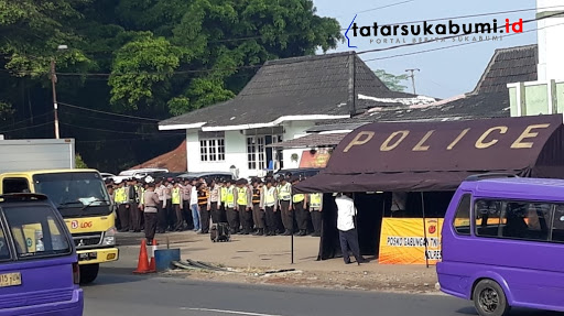 Jakarta Siaga Satu, Petugas Keamanan Bendung Akses Masuk Jakarta dari Sukabumi