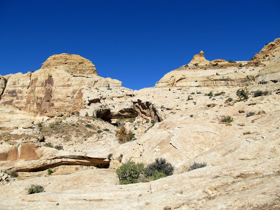 View up the route above Wild Horse Canyon
