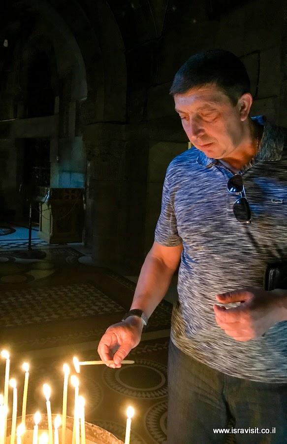 Экскурсия в Израиле. В Храме Гроба Господня.