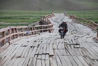 Ne izpustimo ukrivljenega mostu pri Jargalandu