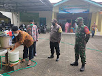 Babinsa Wates Melaksanakan Pendisiplinan Protokol Kesehatan