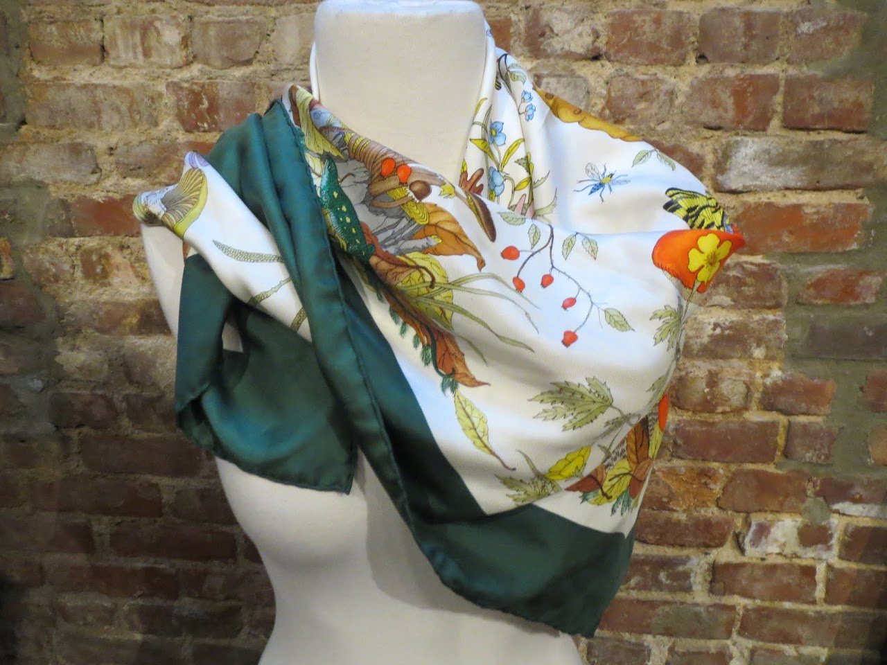 Vintage Gucci Florae and Faunae Scarf