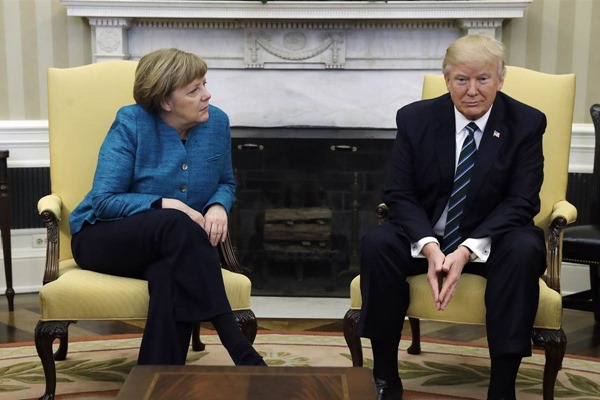 170317-merkel-trump-oval-office-207p_0a21323400931b6bac057329a12c2eab.nbcnews-fp-1200-800