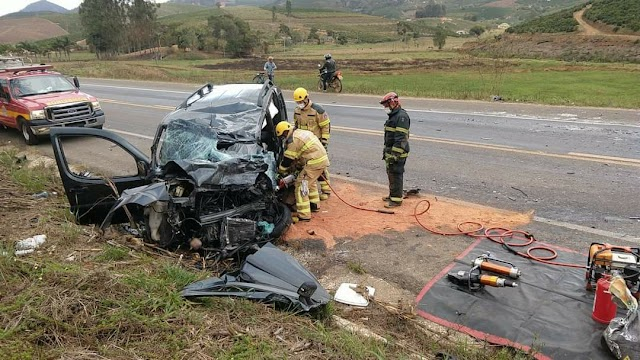Mulher morre em acidente na BR-116 entre São João do Manhuaçu e Orizânia