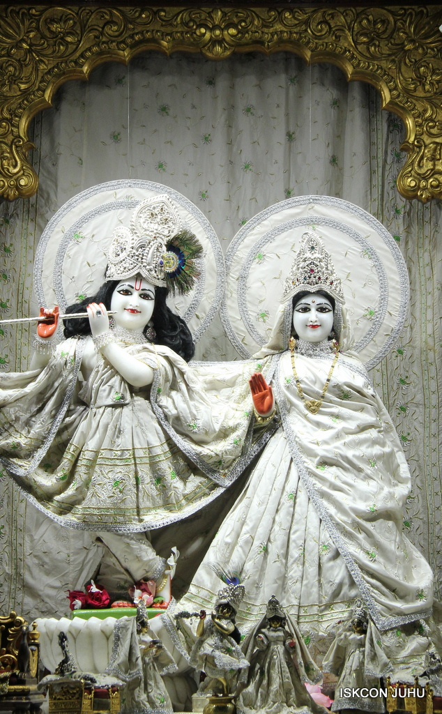 ISKCON Juhu Mangal Deity Darshan on 8th Sep 2016 (24)