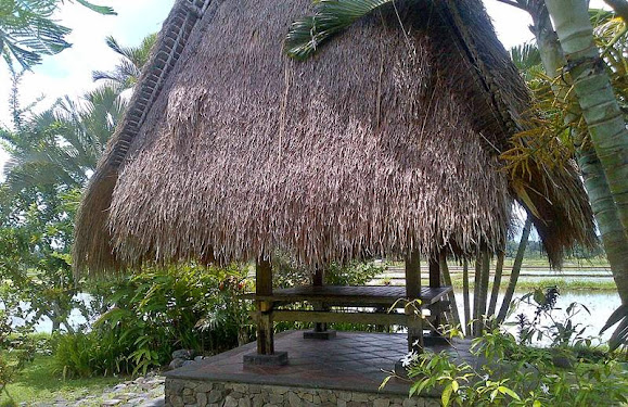 Bali Camping Ubud Bale Bengong