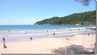 bombinhas-praia-do-retiro-dia-de-sol