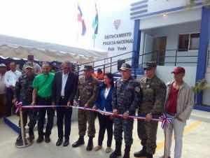 Director de la Policía inauguran destacamento y chequeo militar en Montecristi