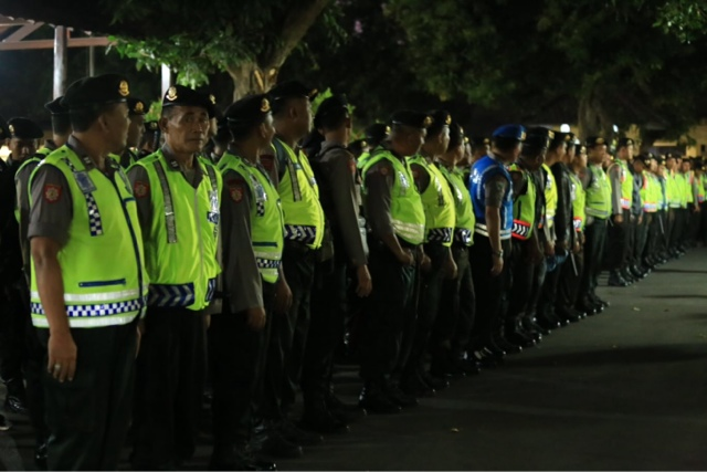 146 Anggota Polres Jombang Bantu Pengamanan Sampang
