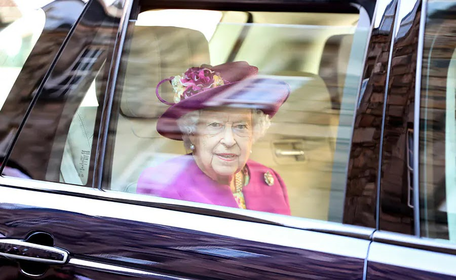 The Queen Steps Out for First Solo Royal Duties in Scotland