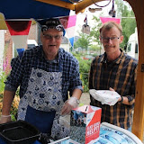 Bertus ten Harkel verkoopt haringen voor Go4Life