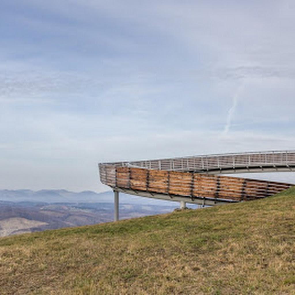 Zakręcona platforma widokowa: Ślimak w Woli Kroguleckiej