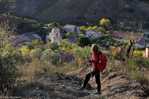 Camí dels Trossets, xarxa de camins del Priorat.A fons, Porrera. Vinyes DOQ Priorat.Porrera, Priorat, Tarragona