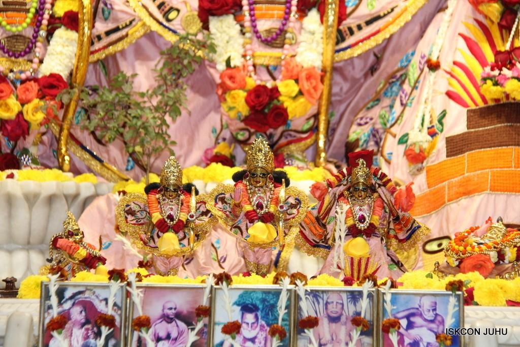 ISKCON Juhu Sringar Deity Darshan 10 Jan 2017 (57)
