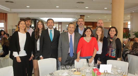 Emocionado y gran homenaje al doctor Luis Castillo Mesa